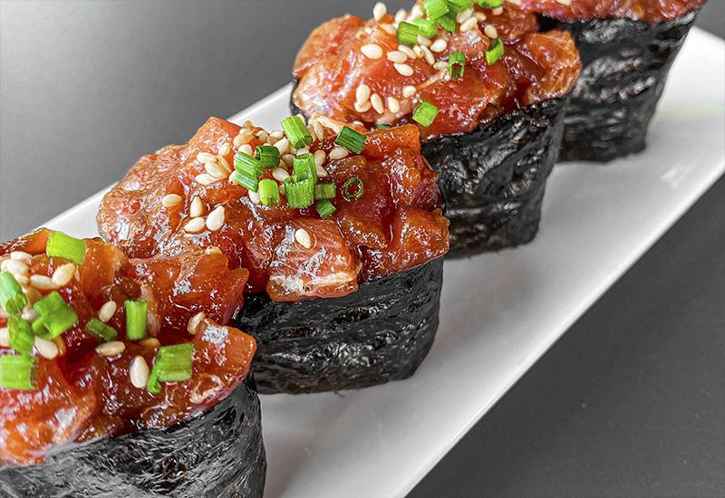 Gunkan sushi el buque acorazado.